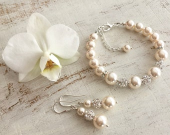 Mother of the Bride Gift from Daughter, Mother of Bride Jewelry Set, Mother in Law Gift from Groom, Wedding Day Pearl Bracelet and Earrings
