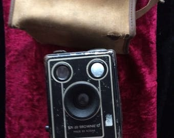 Vintage Cased Kodax Box Brownie