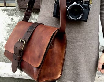 7c49333210 Leather camera bag