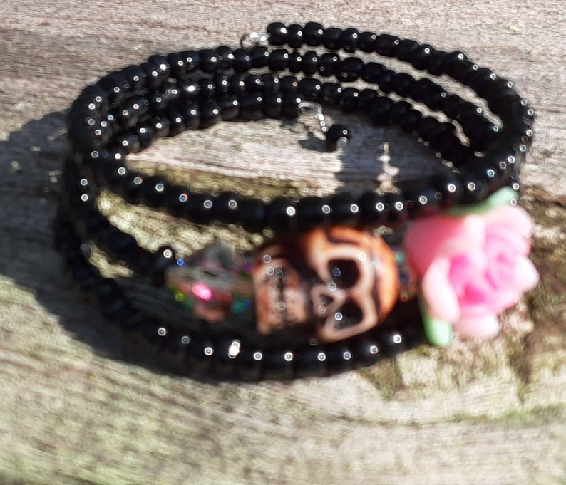 Day of the Dead Bracelet Wrap Around pink flower brown skull sugar skull 3 loop memory wire