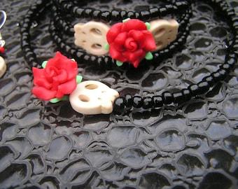The Walking Dead Zombie Bracelet Choker Earrings Jewelry Set Mini cream zombie Red fimo flowers Black glass