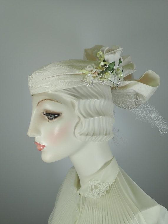 Ivory Wedding Hat. Silk 1990s Bridal Pillbox hat.… - image 3