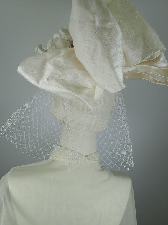 Ivory Wedding Hat. Silk 1990s Bridal Pillbox hat.… - image 2