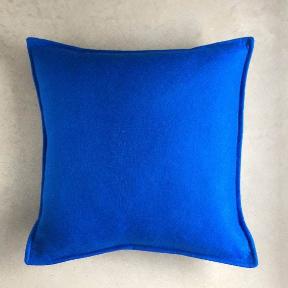 SCENERY LABEL Felt Cushion Blue