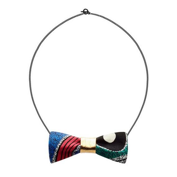 SCENERY LABEL Bow Chain Symbols