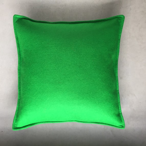 SCENERY LABEL Felt Cushion Green