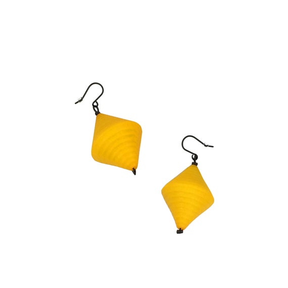 SCENERY LABEL Drop Earrings Yellow Bicone