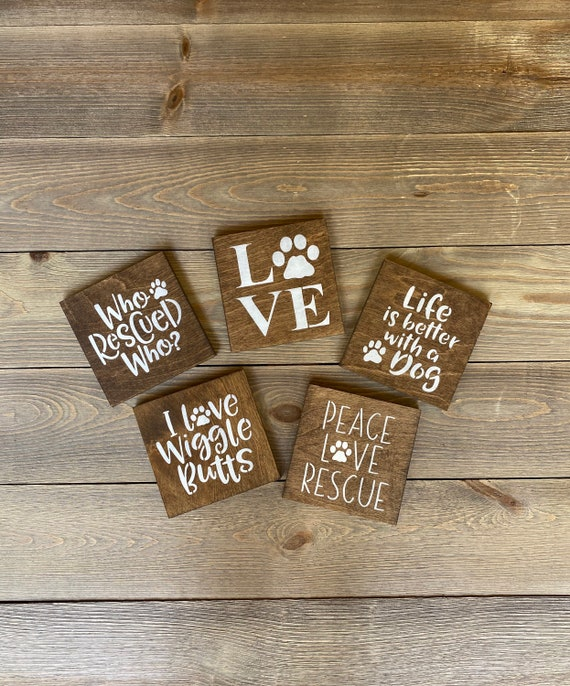 B1G1 free dog sign dog lover gift I love wiggle butts who