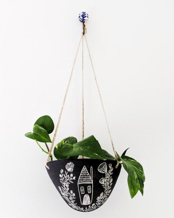 Hanging Pot with Carved Design Succulent Herb Black /& White Hanging Planter w Horizon Design Etc Housewarming Cactus Air Plant