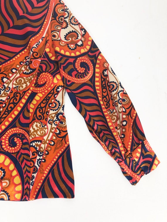 AMAZING 60's Rayon Satin Print Blouse S - image 4
