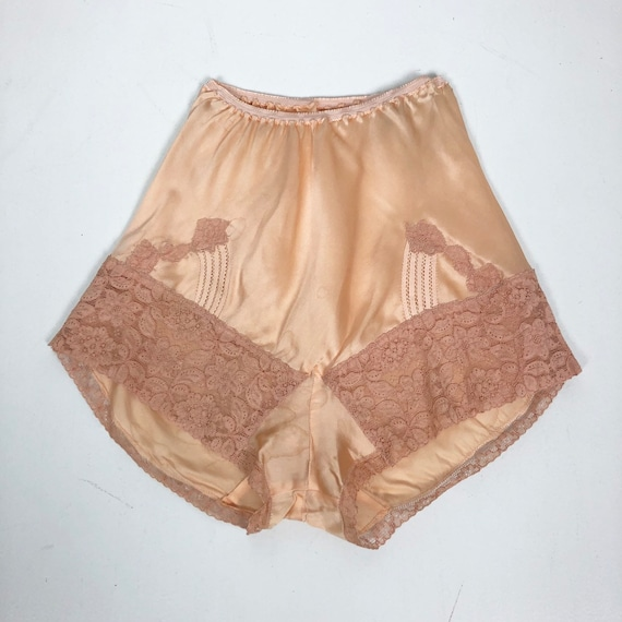 1930's Pink Rayon Satin Lace Tap Shorts S