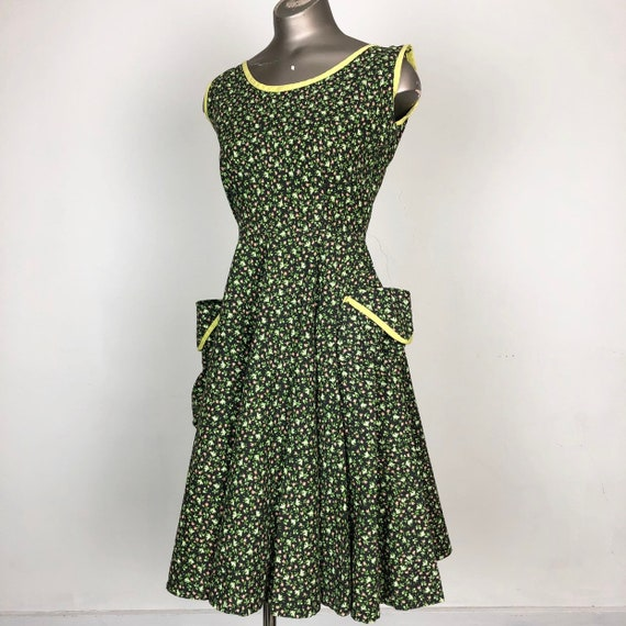 ADORABLE 1950s Calico Cotton Rhinestone Sun Dress