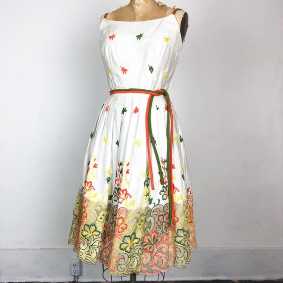 AMAZING 1950s Embroidered Pleated Cotton Sun Dress