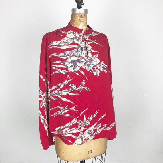 AMAZING 1970s Red Floral Rayon Blouse M