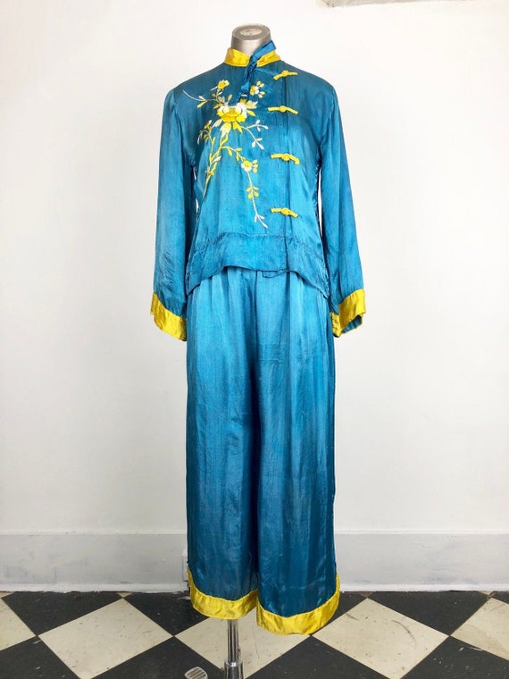 1930s Embroidered Gold/Blue Chinese Silk Pajama Lo