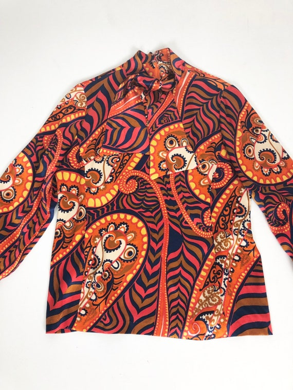 AMAZING 60's Rayon Satin Print Blouse S - image 2