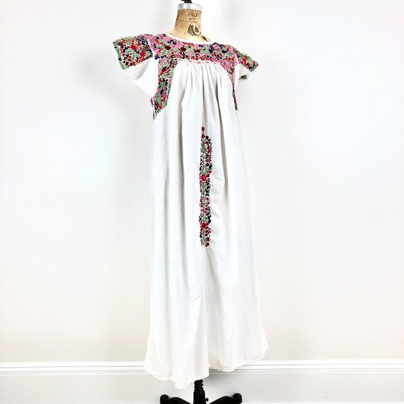 1970s Oaxacan Embroidered White Smock Dress S