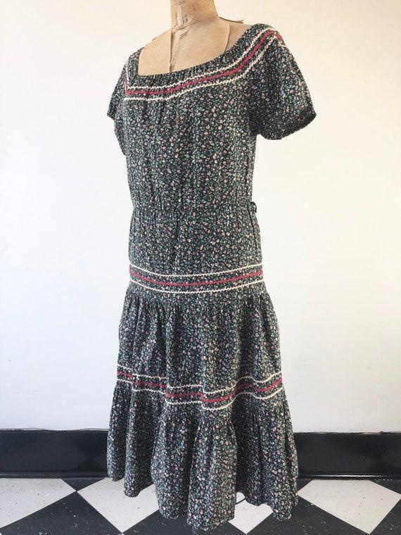 ADORABLE 1950's Ric Rac Calico Floral Dress S