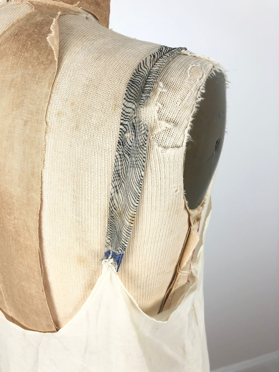 1930s Grey and Blue Floral Silk Chiffon Flutter S… - image 9