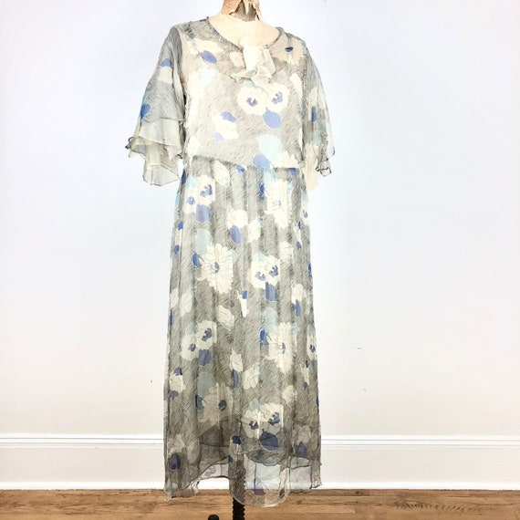 1930s Grey and Blue Floral Silk Chiffon Flutter S… - image 1