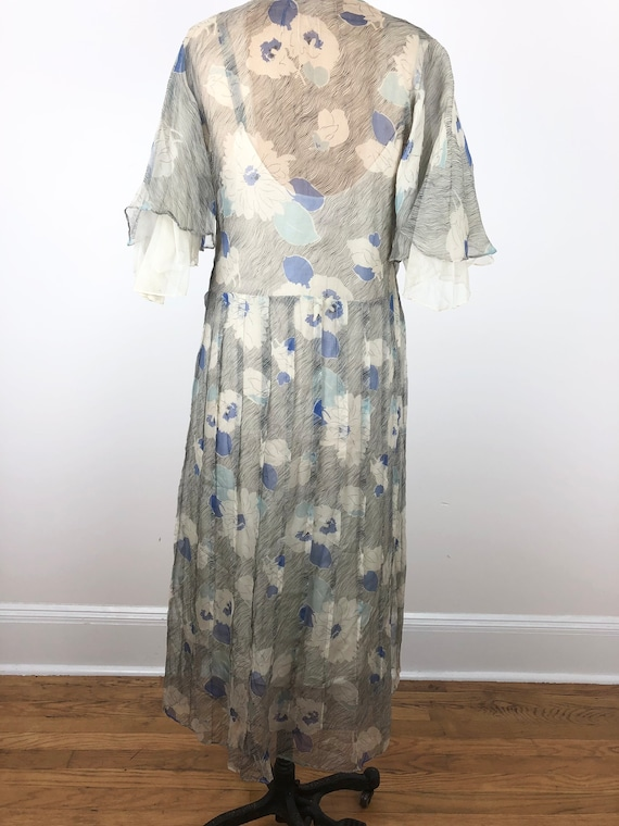 1930s Grey and Blue Floral Silk Chiffon Flutter S… - image 5