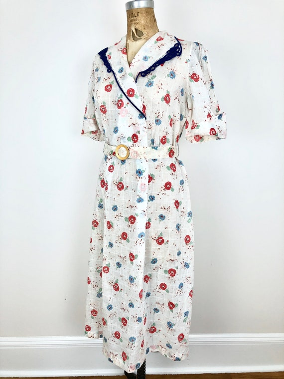 Beautiful 1930s Floral White Cotton Belted Dress M