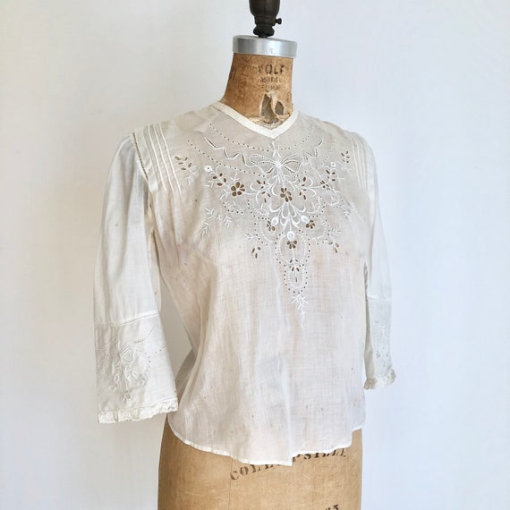 Antique Victorian Embroidered Eyelet Lace White Co
