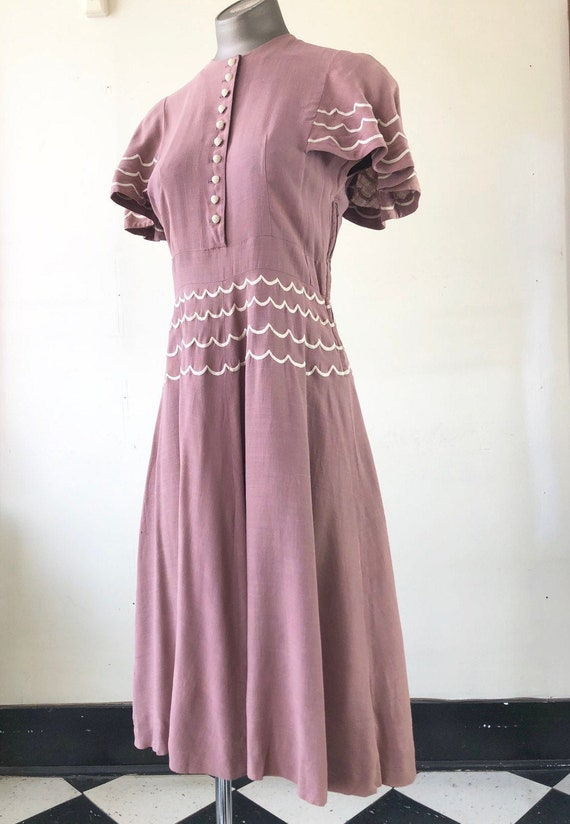 AMAZING 1940's Carole King Embroidered Mauve Linen