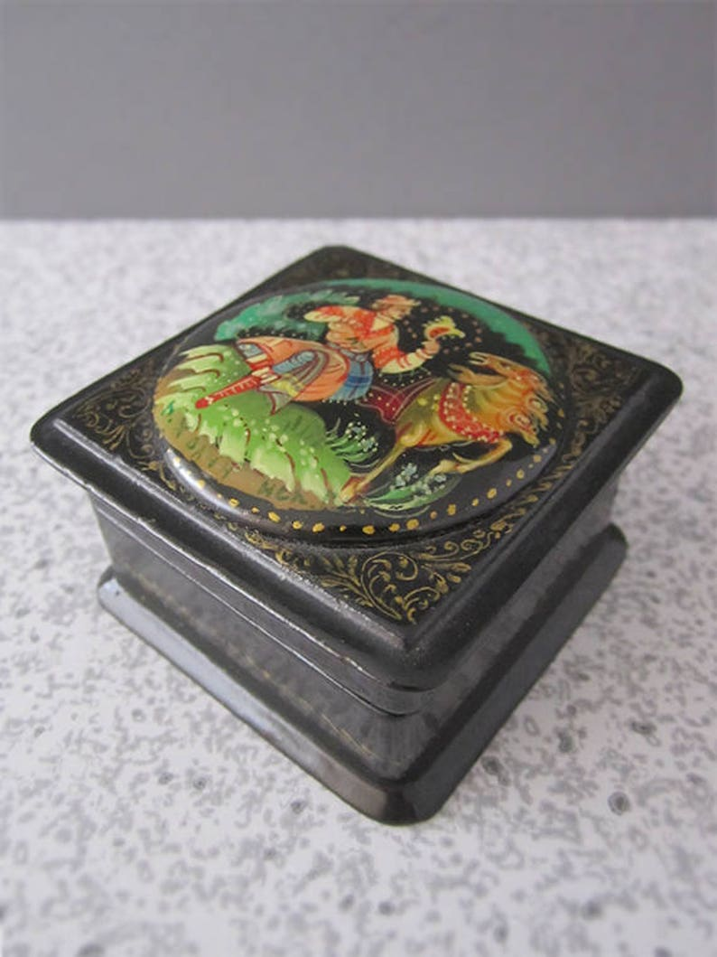 Lovely Vintage Russian Black Lacquer Hinged Trinket Box  image 0