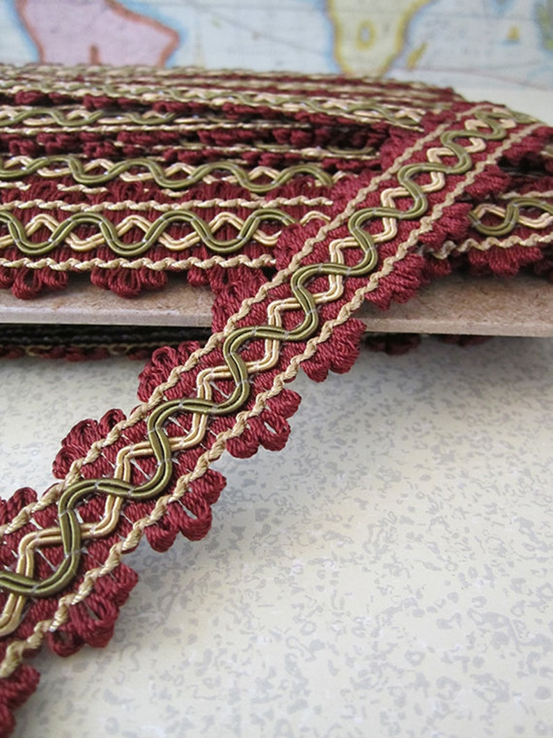 5 Yards  1 Inch Wide  Loop Braid Passementerie  Cranberry image 0