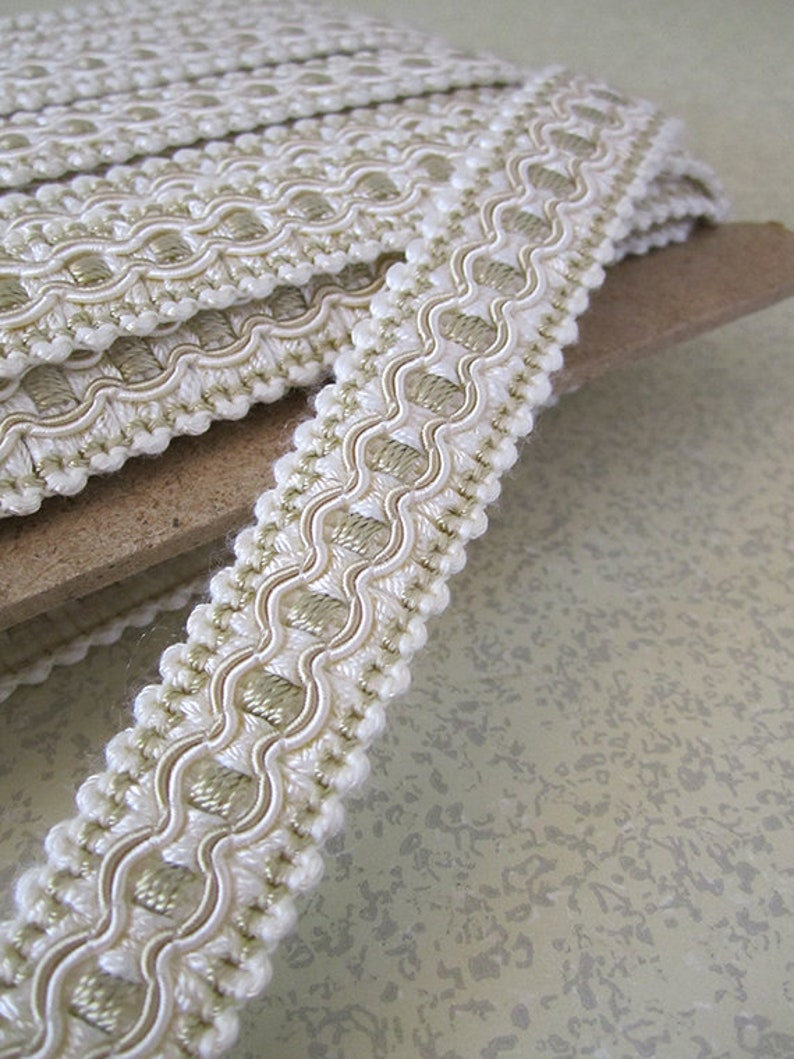 5 Yards  3/4 Inch Wide  French Gimp Scroll Trim by the Yard image 0