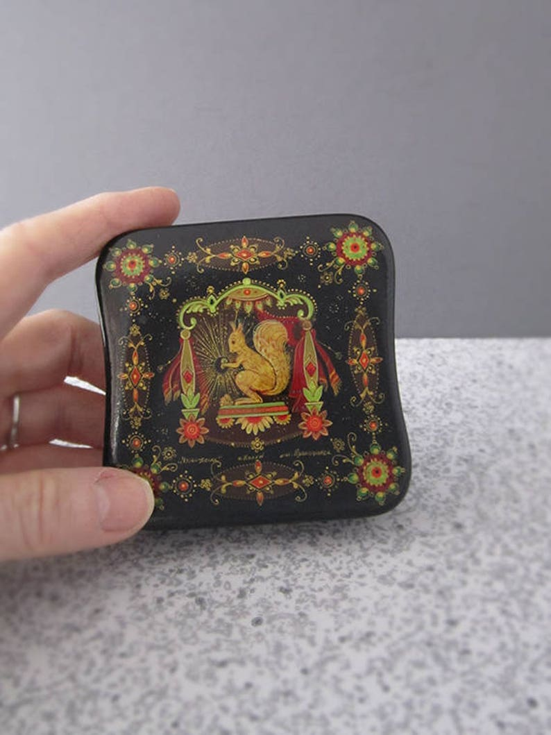Vintage Hand Painted Russian Lacquer Jewelry Trinket Box  image 0