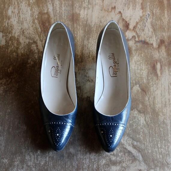 1980's Vintage Navy Leather Heels/ 1980's Vintage