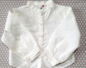 46c728eb5e8d98 Vintage meisje babyshirt, gemaakt in India, 1978. Wit katoen met geborduurd  werk. Maat 68. Merk: C & A. past 4-6 maanden. Baby cadeau. Jongen of meisje.