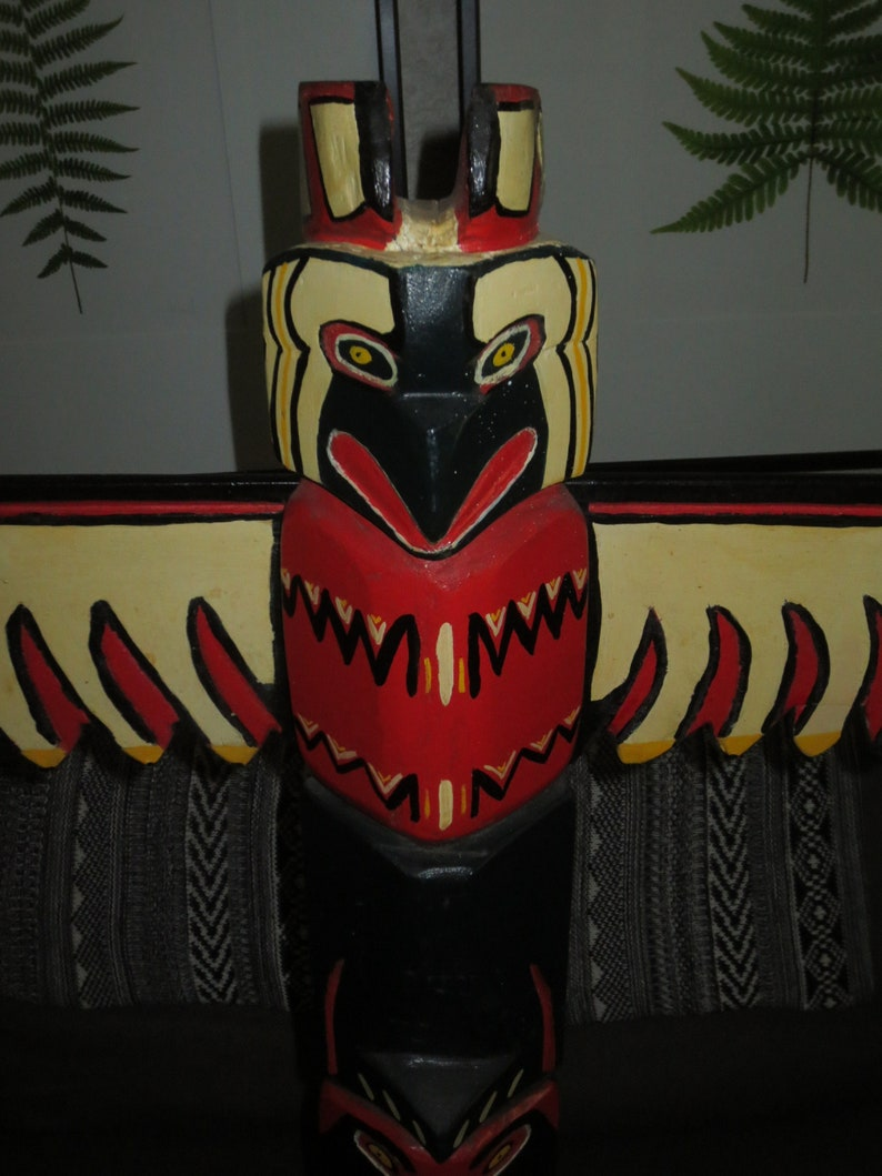 Tall 34 inch high Vintage 1970/'s Native Mohawk Canadian Total Pole original paint