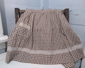 Vintage 60s Cotton Waist Apron Plaid Waist with Pocket White and Brown Kitchen Apron Cleaning Apron Photo Prop Gift Idea RhymeswithDaughter