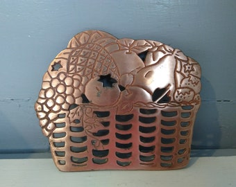 Trivet 80s Fruit Basket Shaped Cast Iron Copper Color Footed Hanging Kitchen Decor Photo Prop RhymeswithDaughter