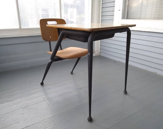 Featured listing image: Vintage, Kids Desk and Chair, Childrens Desk, School Desk, Homework Desk, Kids Furniture, Atomic Era, MidCentury Modern, RhymeswithDaughter