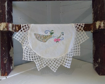 Vintage Doily Round Small White Peacock Needle Point Cotton Cotton Lace Linen Farmhouse Country Kitchen Decor RhymeswithDaughter