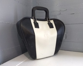 Vintage Retro Bowling Bag Heart Shaped Vinyl Black and White Sporting Goods Bowling Accessories Photo Prop Stebco Ind. RhymeswithDaughter