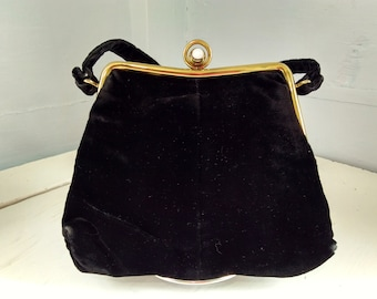Purse Hand Bag Clutch Vintage 50s Black Velveteen Clasp Purse Small Accessories Fashion Photo Prop Rhymeswithdaughter