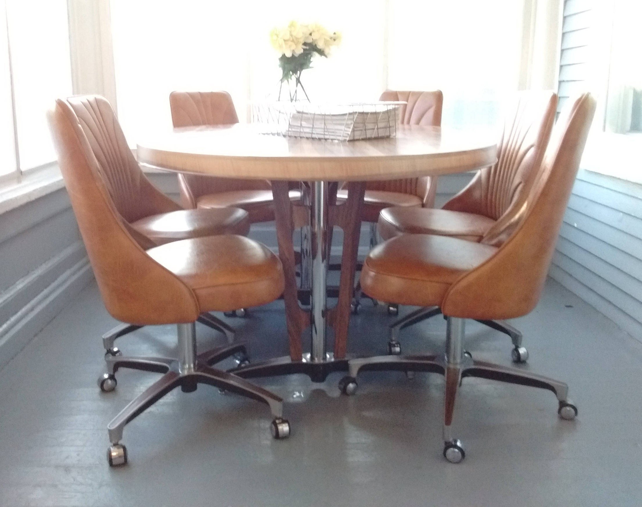 Picture of: Retro Dining Set Table And Chairs 70s Chromecraft Pedestal Table Metal Oval Table Rolling Chairs Vinyl Chairs Rhymeswithdaughter