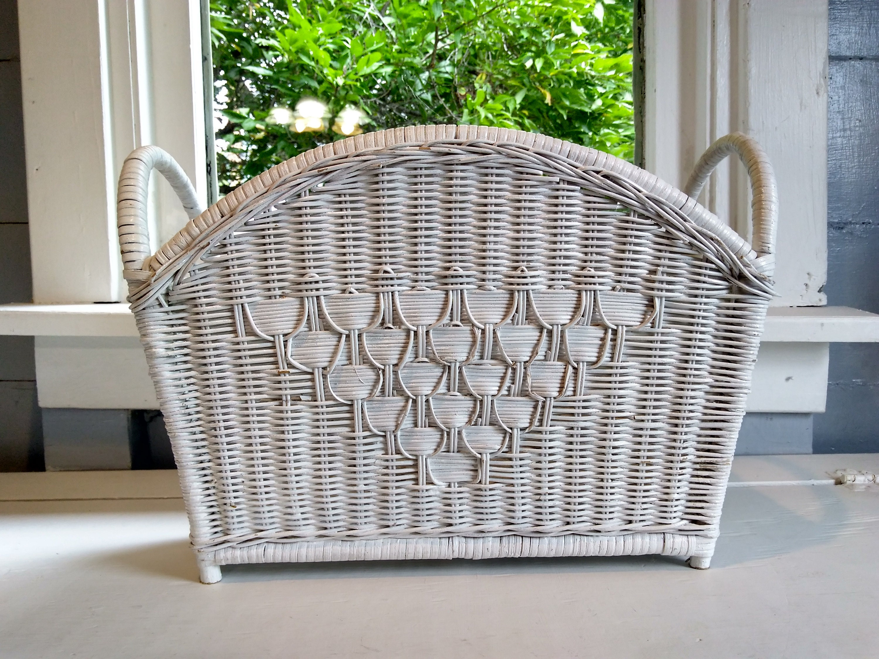 Boho Wicker Magazine Holder Magazine Stand Footed White Book Stand