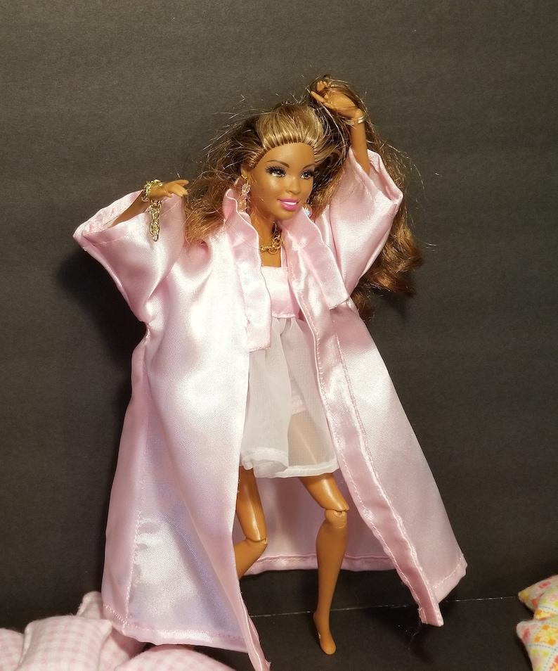 CURVY BARBIE DOLL CLOTHES  SHINY LAVENDER COLORED SATIN FLOOR LENGTH DRESS