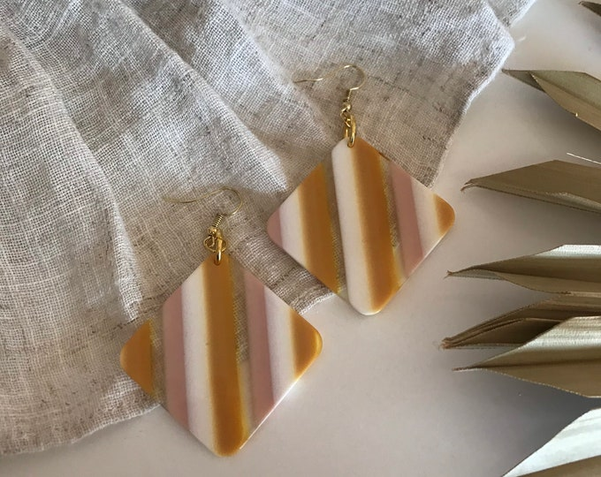 New! // Neutral Diamond Stripe Acrylic Earrings
