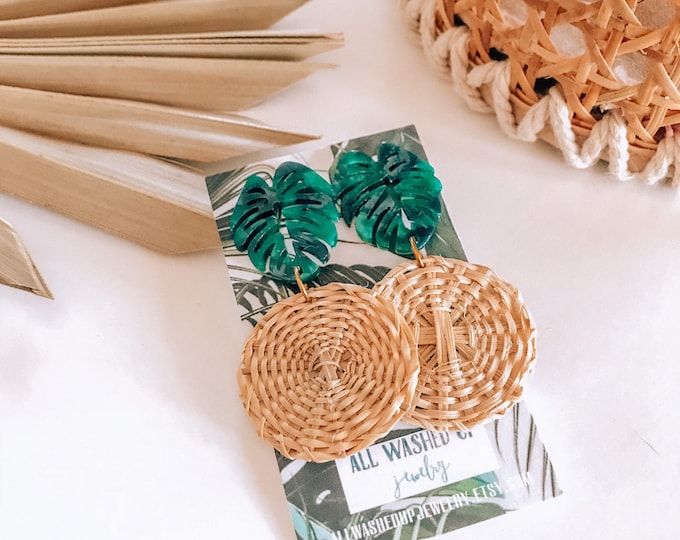 New! // Acrylic and Rattan Green Monstera Earrings