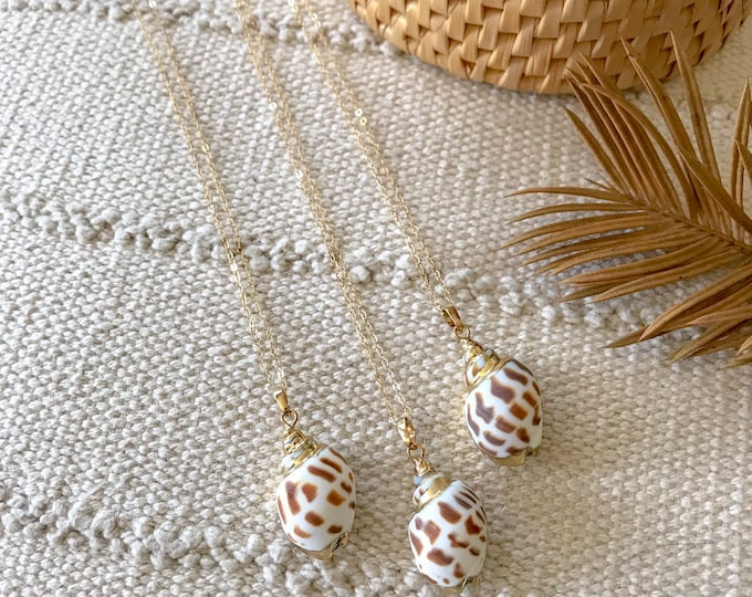 New! // Gold Dipped Spotted Shell