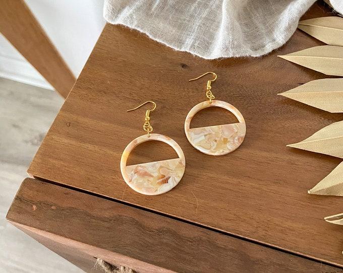 New! // Nude Acrylic Cutout Circle Earrings