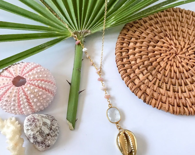 New! // Beaded Cowrie Shell Lariat Necklace