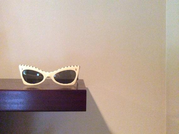 Vintage Cateye Sunglasses by Suntimer Victory